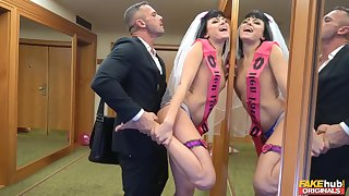 Bride to shrink from gets laid by dramatize expunge best man in a crazy XXX enactment