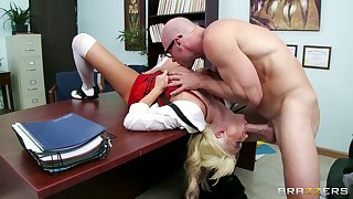 Blonde pornstar Summer Brielle gets fucked on the slot table