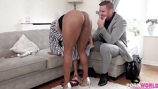 Insatiable black beauty Kiki Minaj loves sex toys and obese hard cocks alike GP951