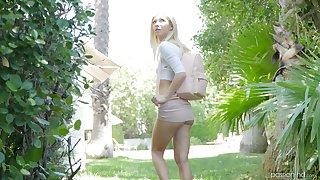 Skinny blonde Kenzie Reeves enjoys pussy pleasing by a outlander